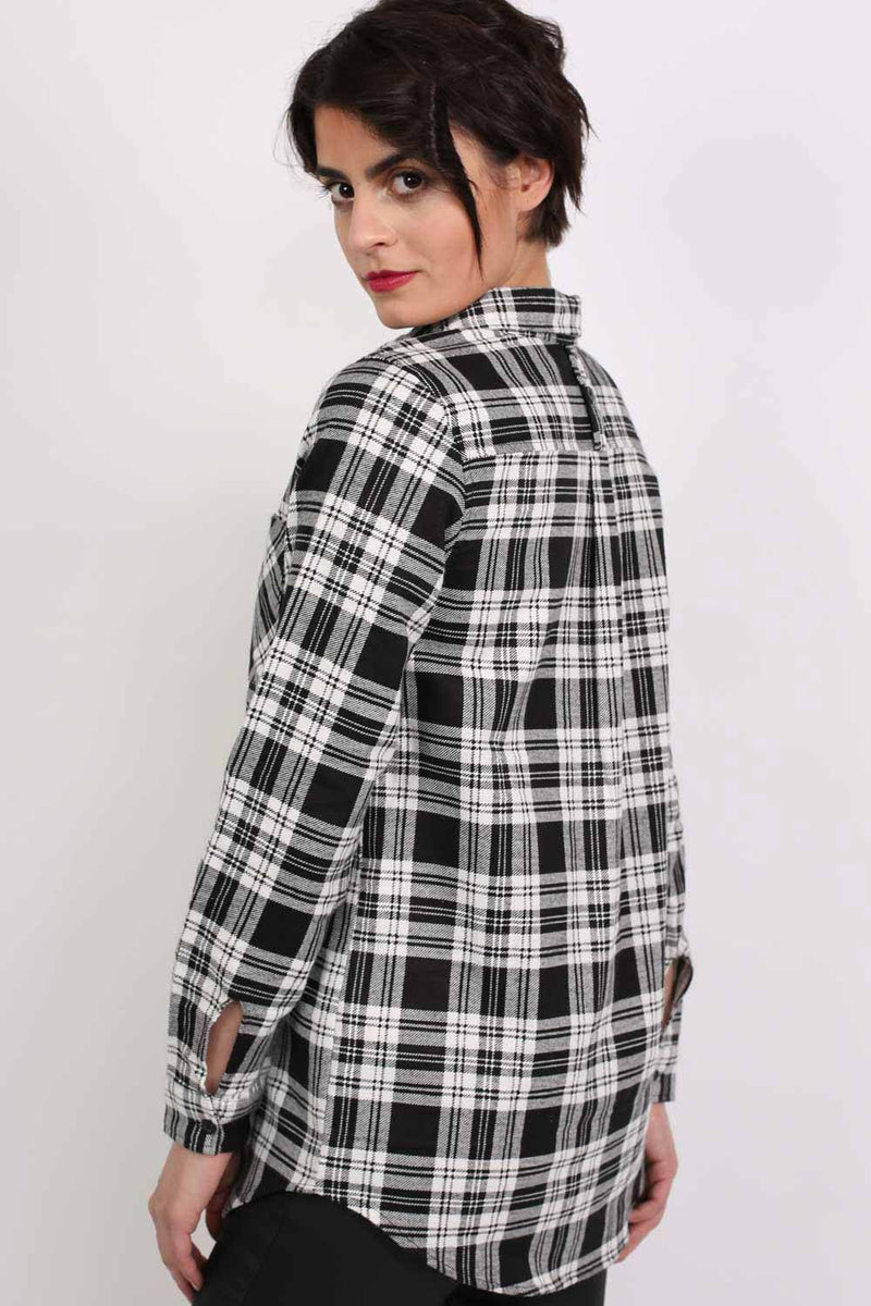 Check Flannel Long Sleeve Shirt in Black 2