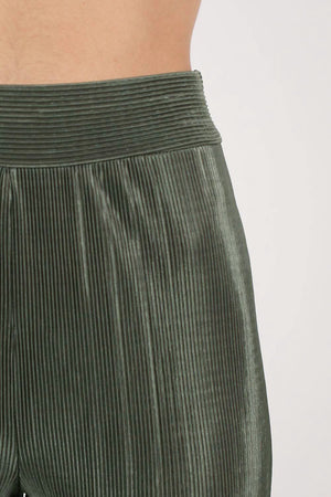 Pleated High Waisted Trousers in Khaki Green 2