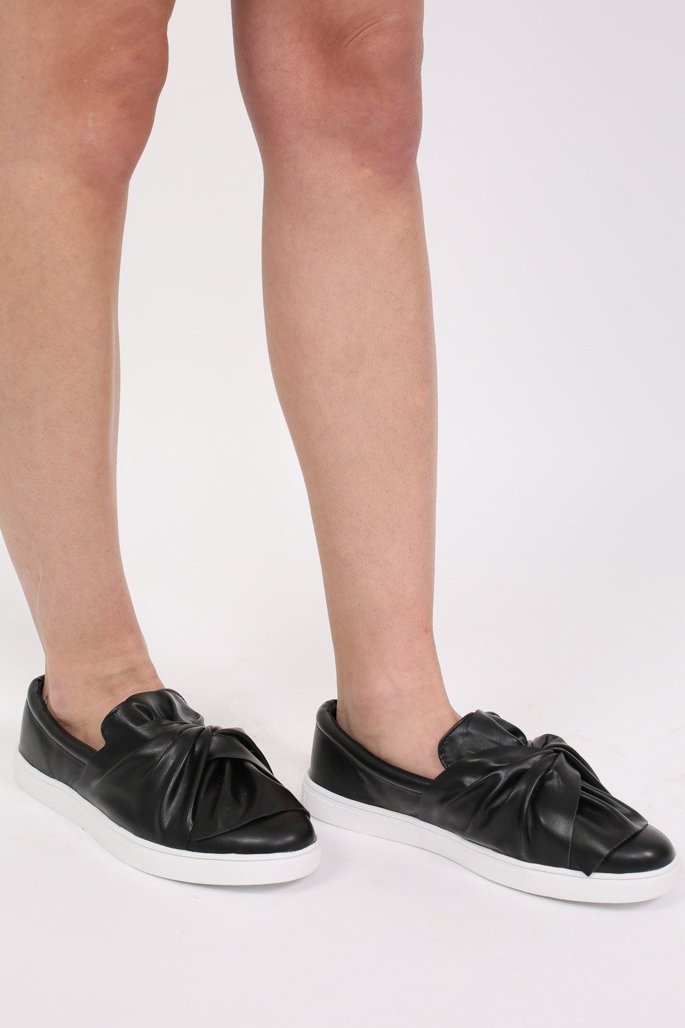 Knot Bow Front Slip On Skater Pumps in Black 0