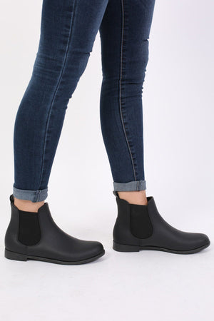 Plain Flat Chelsea Boots in Black 1