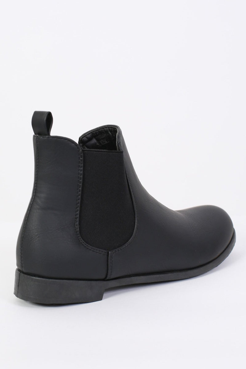 Plain Flat Chelsea Boots in Black 5