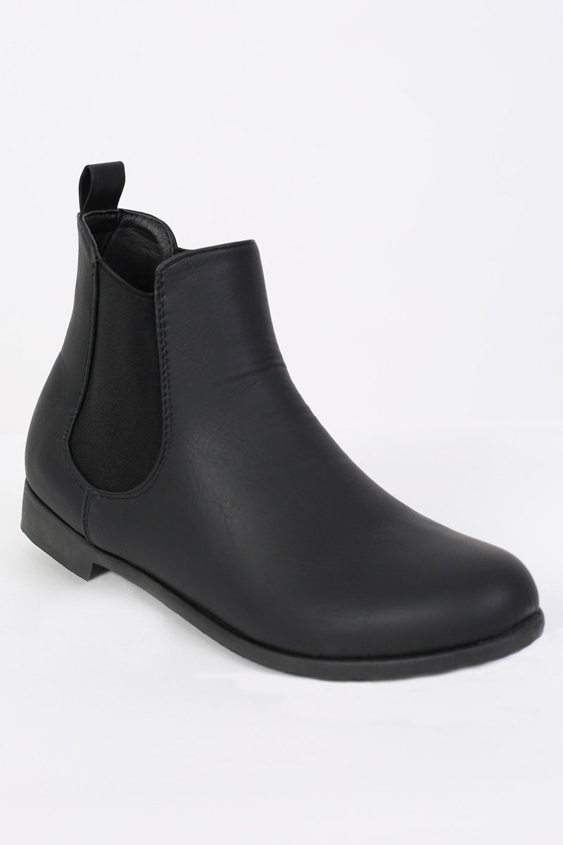 Plain Flat Chelsea Boots in Black 3