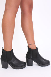 Chunky Heel Pull On Chelsea Boots in Black 1