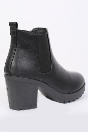 Chunky Heel Pull On Chelsea Boots in Black 5
