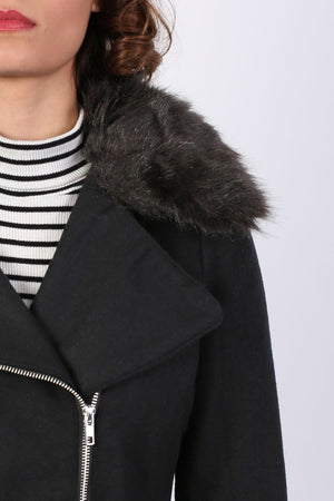 Faux Fur Collar Wool Blend Coat in Black 2