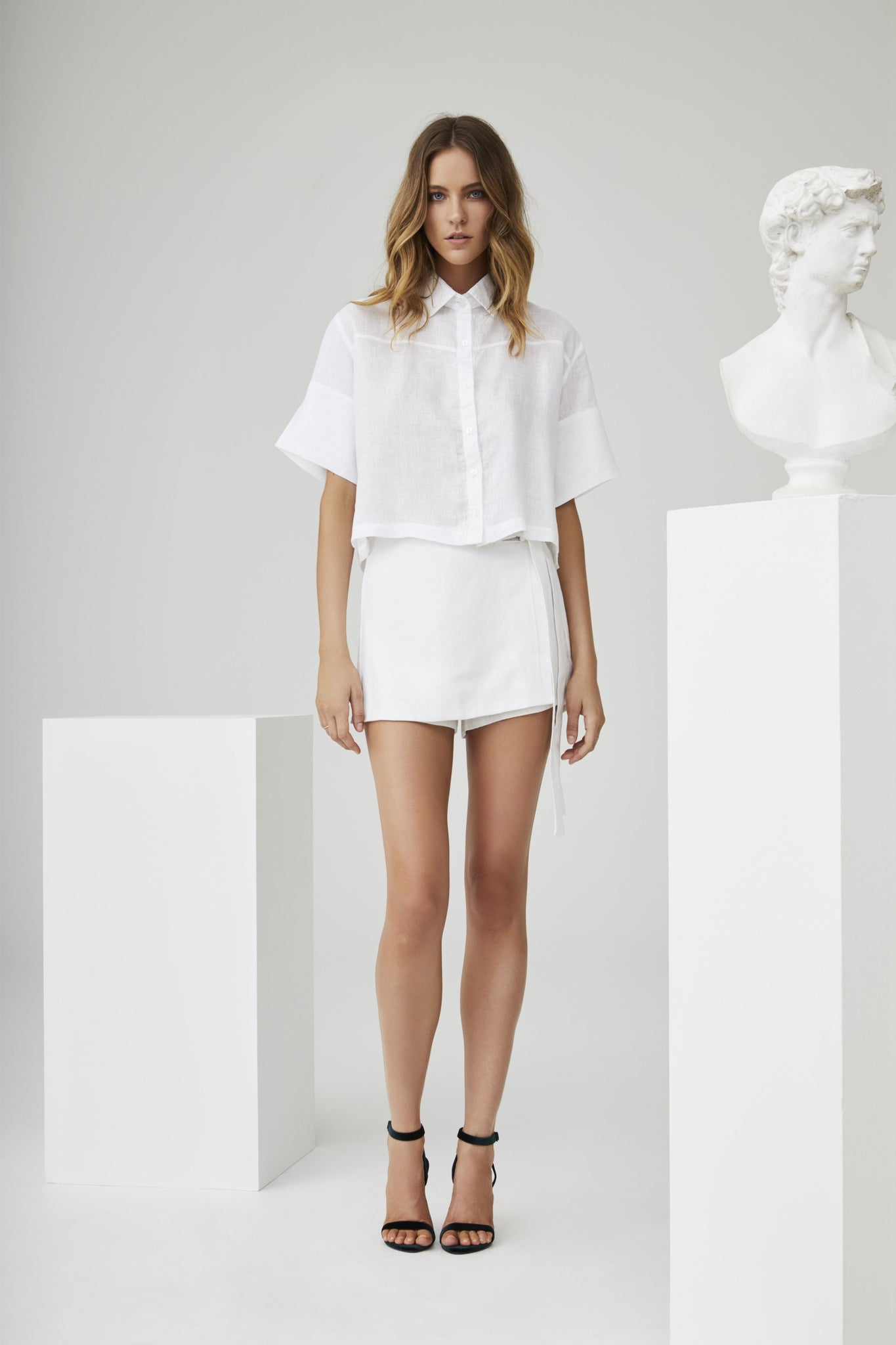 NOEME CROPPED LINEN SHIRT