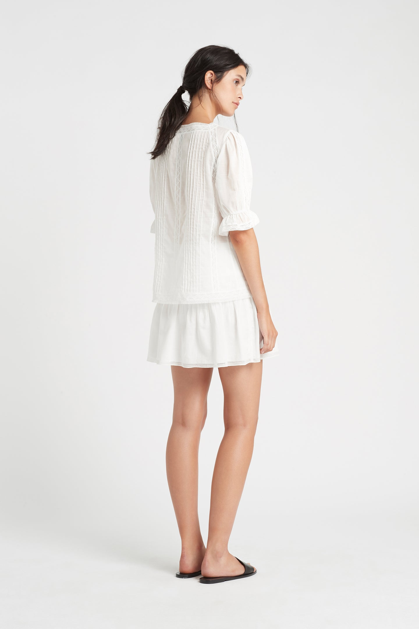 SIR the label CAPRICE PLEATED TOP IVORY