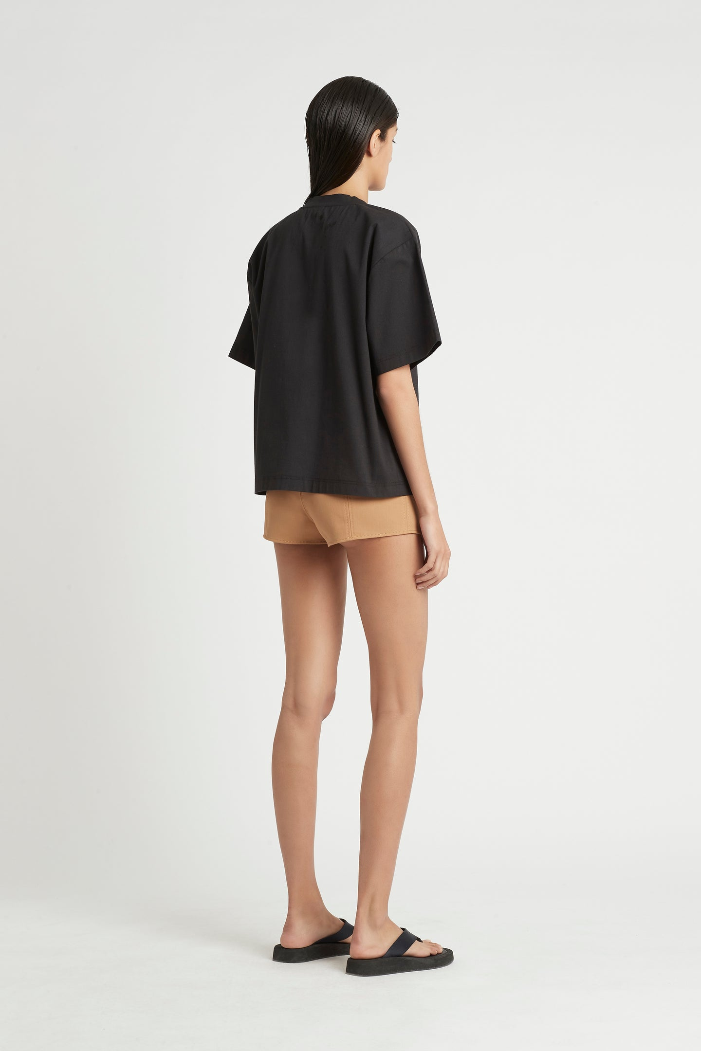 SIR the label ANDRE PANELLED SHORT CAMEL