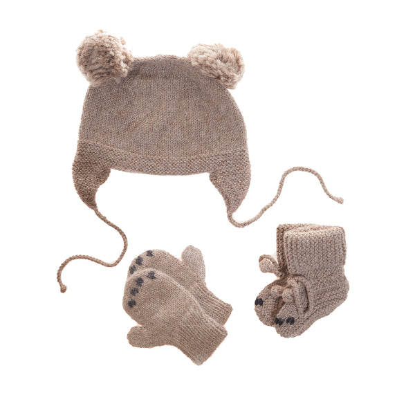 gender neutral unisex baby winter gift set with hat, mittens and booties.