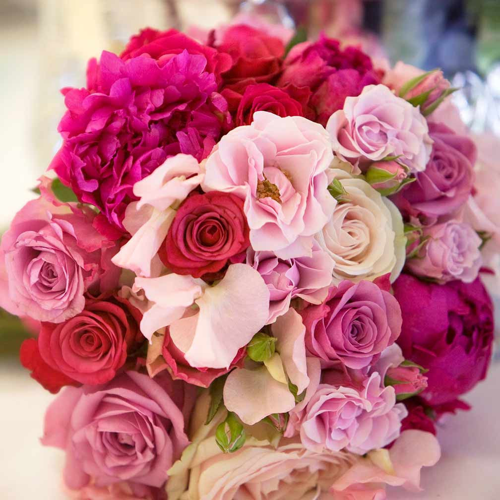 Send Flowers In London A Perfectly Pink Bouquet Amanda Austin