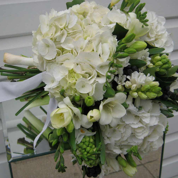 Fresh White Springtime Bouquet Amanda Austin Flowers
