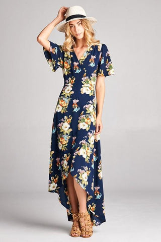 Wrap dress with loose fit sleeves and v-neckline