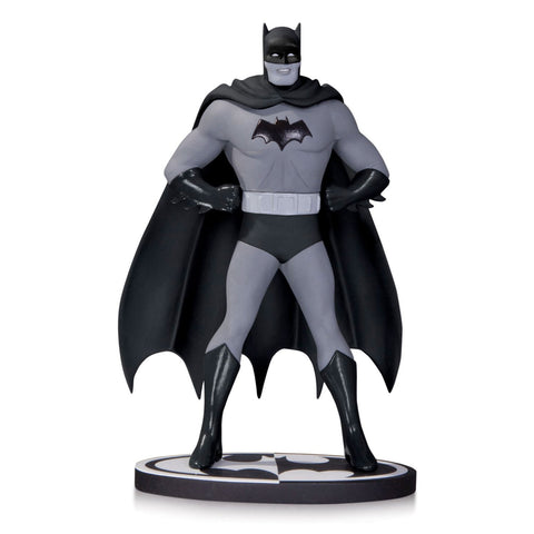 BATMAN: Black & White Statue by DICK SPRANG