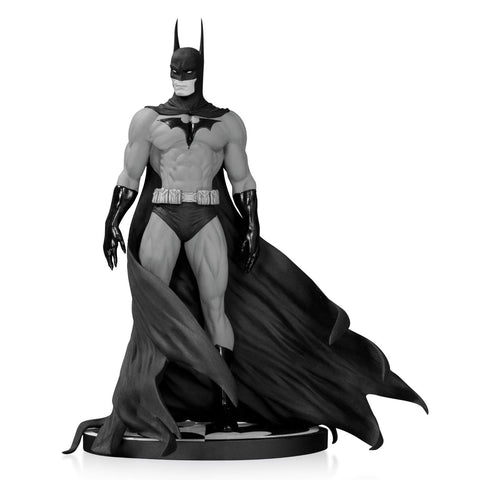 BATMAN: Black & White Statue by Michael Turner, 2nd Edition
