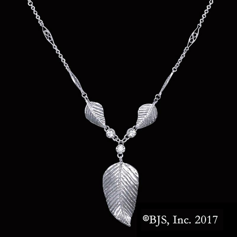 LOTR Elven Realms Three Leaf Necklace