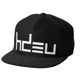 QUICK - Black/White Performance Flat Bill Hat