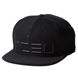 QUICK - All Black Performance Flat Bill Hat