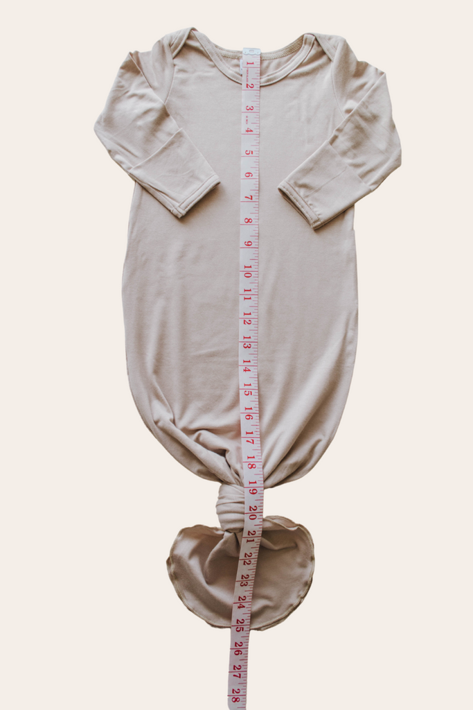 knotted baby gown are they safe for infants