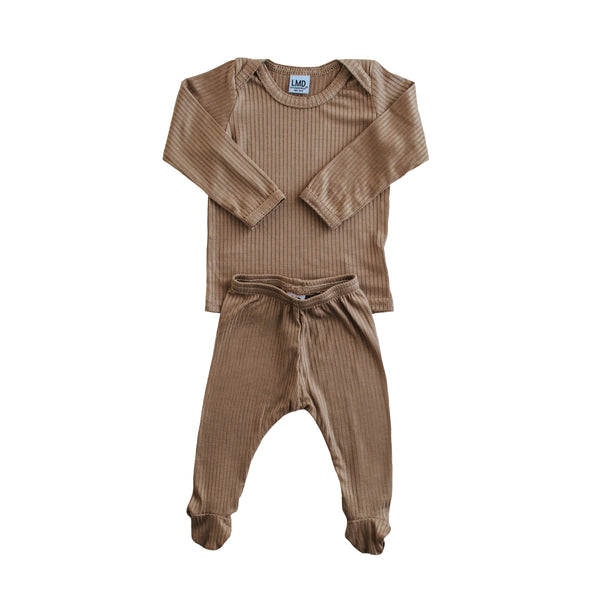 LITTLE NURSLING™ ESSENTIAL SNUGGLE SET | Dark Camel Rib