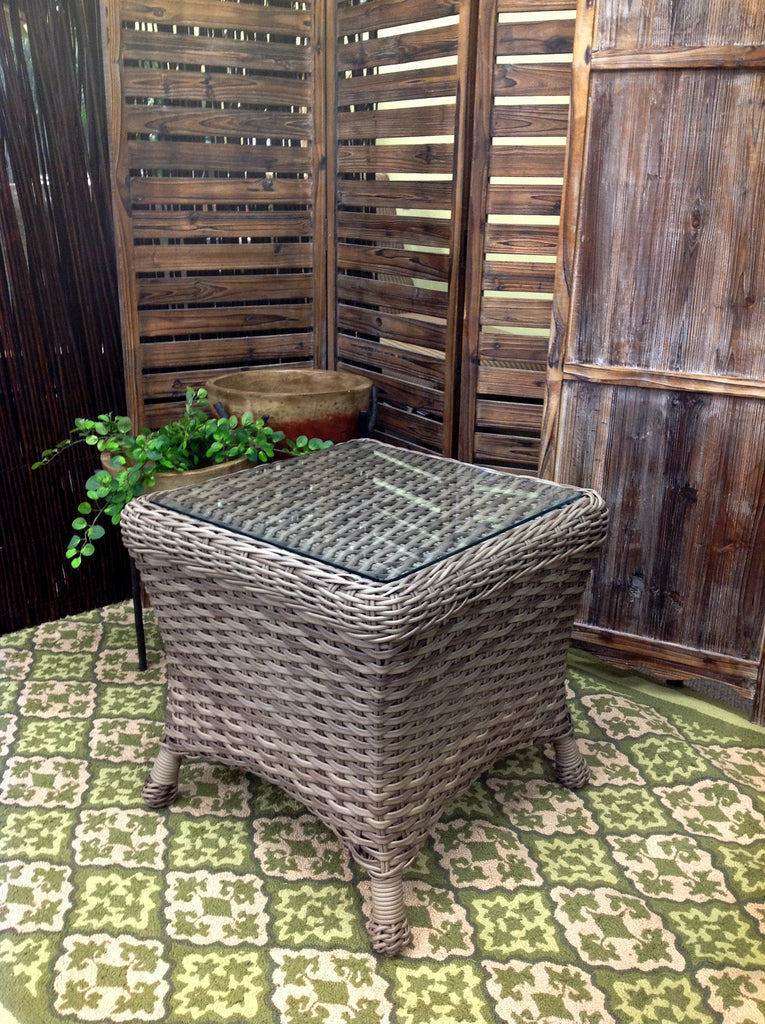 Captiva Outdoor Patio Woven Top End Table With Glass - Warehouse Clearance