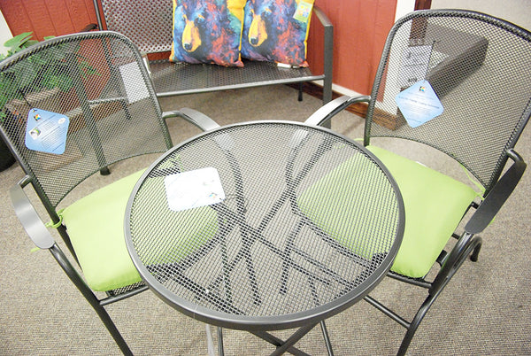 "24"" Round Outdoor Patio Folding Mesh Table and Arm Chair - Outdoor Furniture, Indoor Furniture & Upholstery Store Spokane - Jacobs Custom Living"