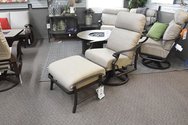 Tropitone Montreux II Cushion Swivel Action Lounger at Jacobs Custom Living in Spokane WA.