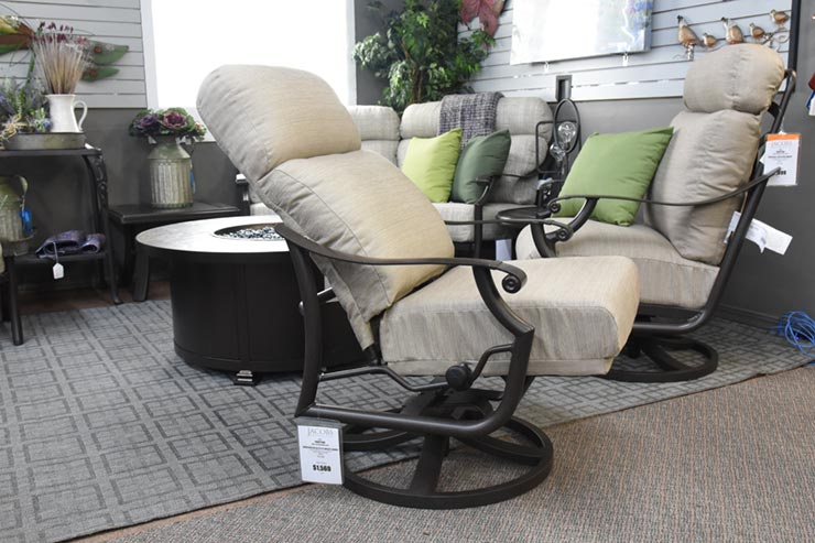Tropitone Montreux UR Cushion Petite Swivel Action Lounger is available at Jacobs Custom Living in Spokane WA.