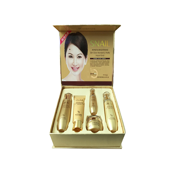 Snail Moisturizing Whitening Skin Care