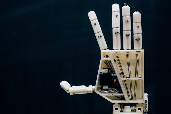 This 3D Printed Arm Communicates in Sign Language