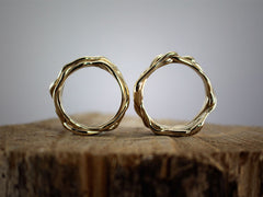 Intertwined wedding rings