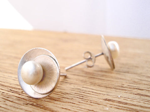 japanese pearl earrings