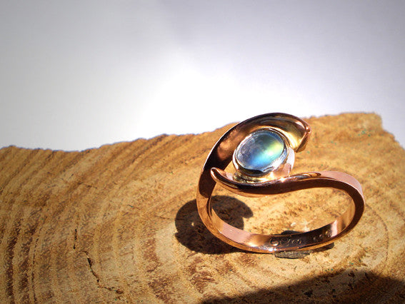 Engagement Ring Rose Gold / Rainbow Moonstone
