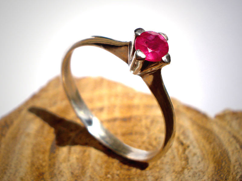 Engagement Ring  925 / Sri Lankan Ruby