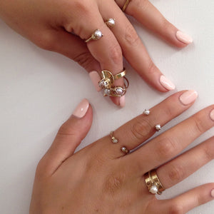*Mirror Ring with Pearls