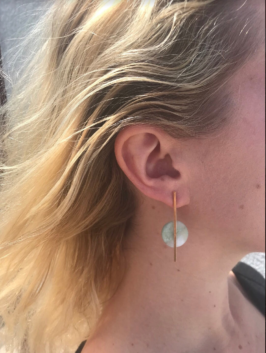 Quartz skinny pop earrings