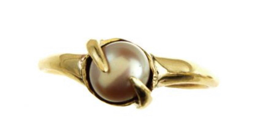 *Pearl with Prongs Ring