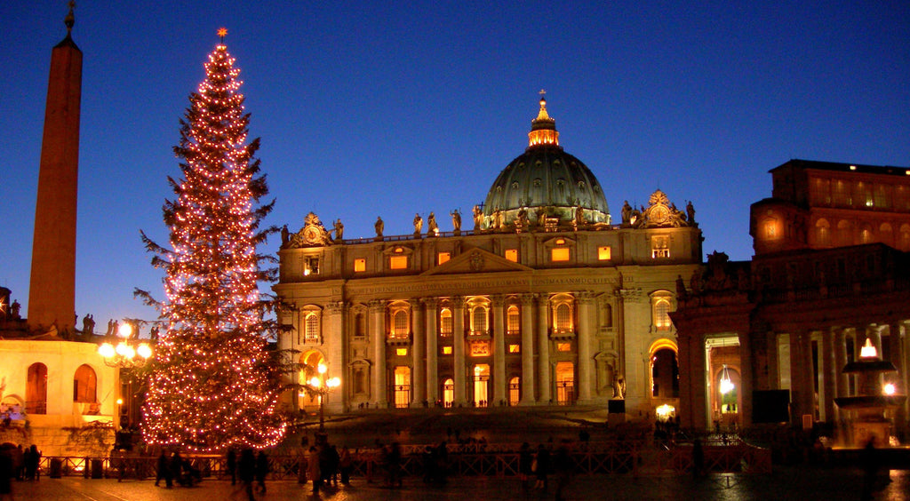 the idea in italy is that christmas is more than a single day it is an entire season of celebration beginning in early december and running until january - How Does Italy Celebrate Christmas