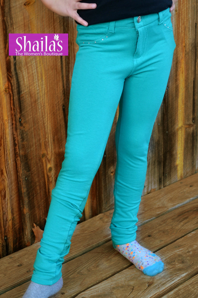 Little girl stretchy pocketed button closure jeggings