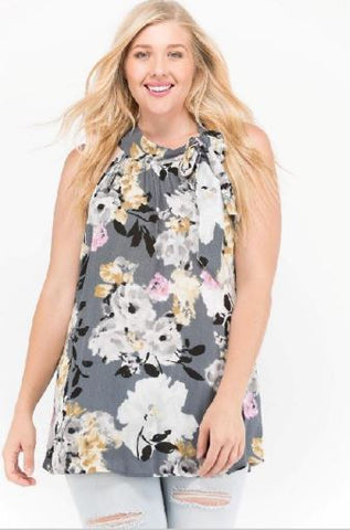 Pretty in Floral Plus Top