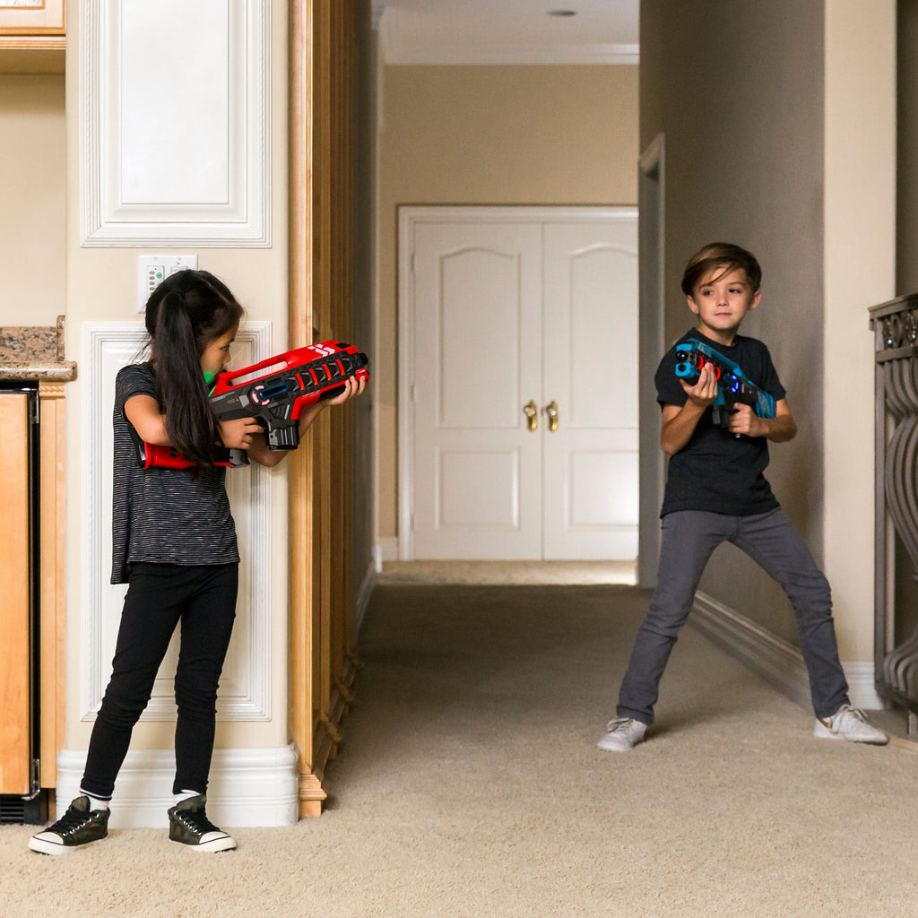 Set of 2 Kids Infrared Blaster Laser Tag Toys w/ Life Tracker