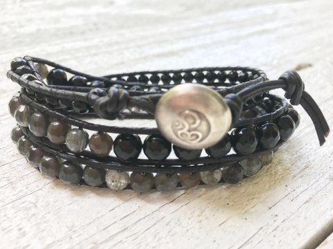 Triple Leather Wrap, Beaded Bracelet Black Leather Wrap Agate Labradorite Onyx Beaded Bracelet Leather Bracelet Girlfriend Gift