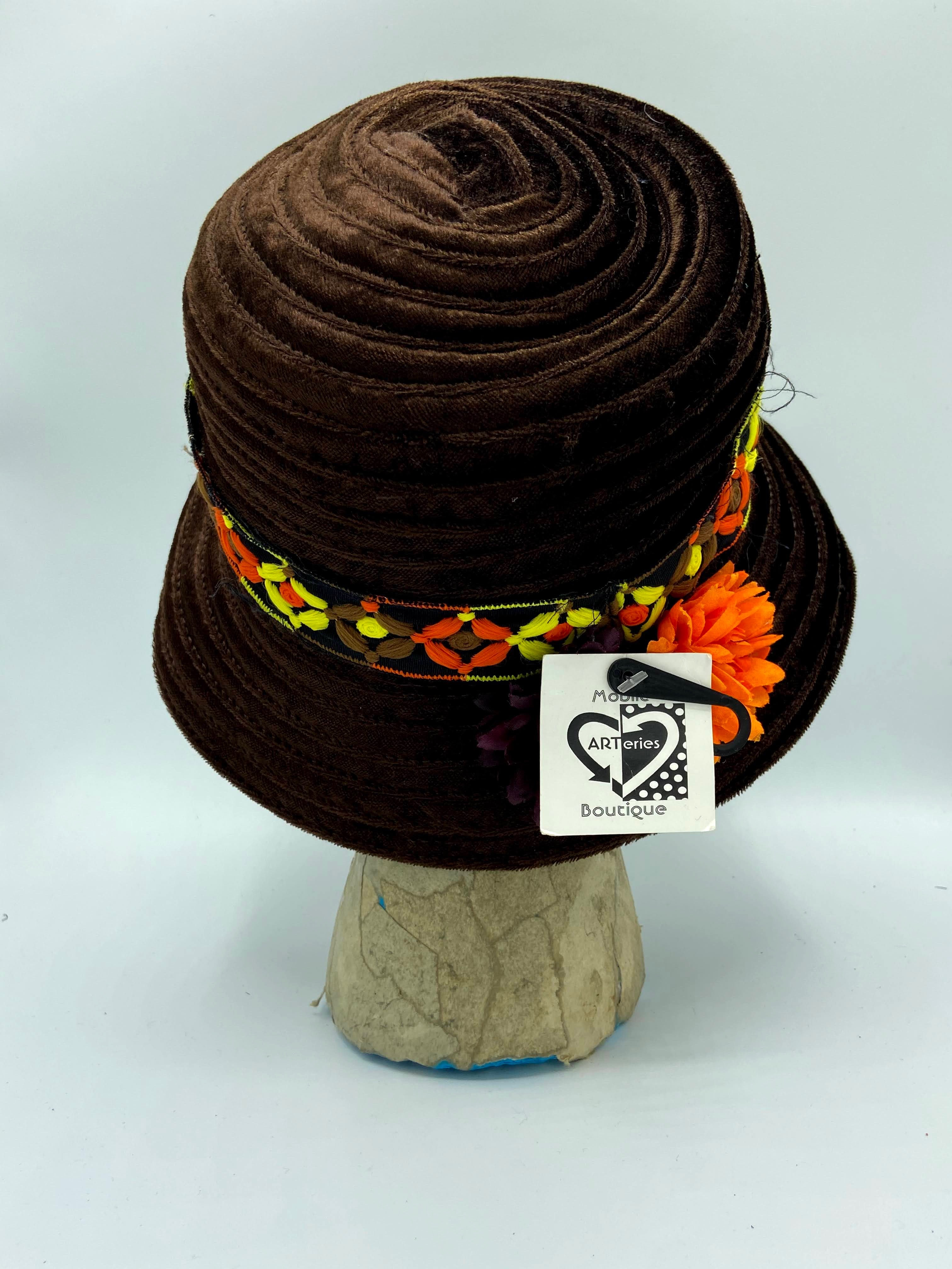 Brown Eyed Blossom Hat