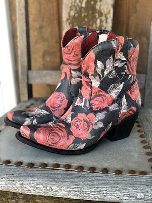 Ariat Women's Circuit Cruz Vintage Rose Snip Toe Ankle Boots 10031475