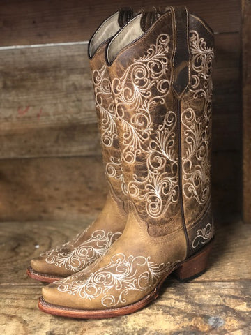 Circle G by Corral Women's Tan Scroll Embroidered Snip Toe Western Boots L5418