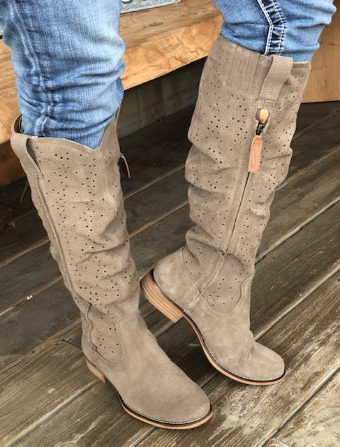 Dingo Women's Adrina Taupe Tall Zip Up Fashion Boots DI170