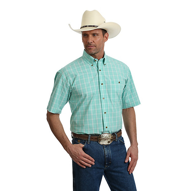 8c8844842ab Wrangler Men s George Strait Light Green   White Plaid Short Sleeve ...