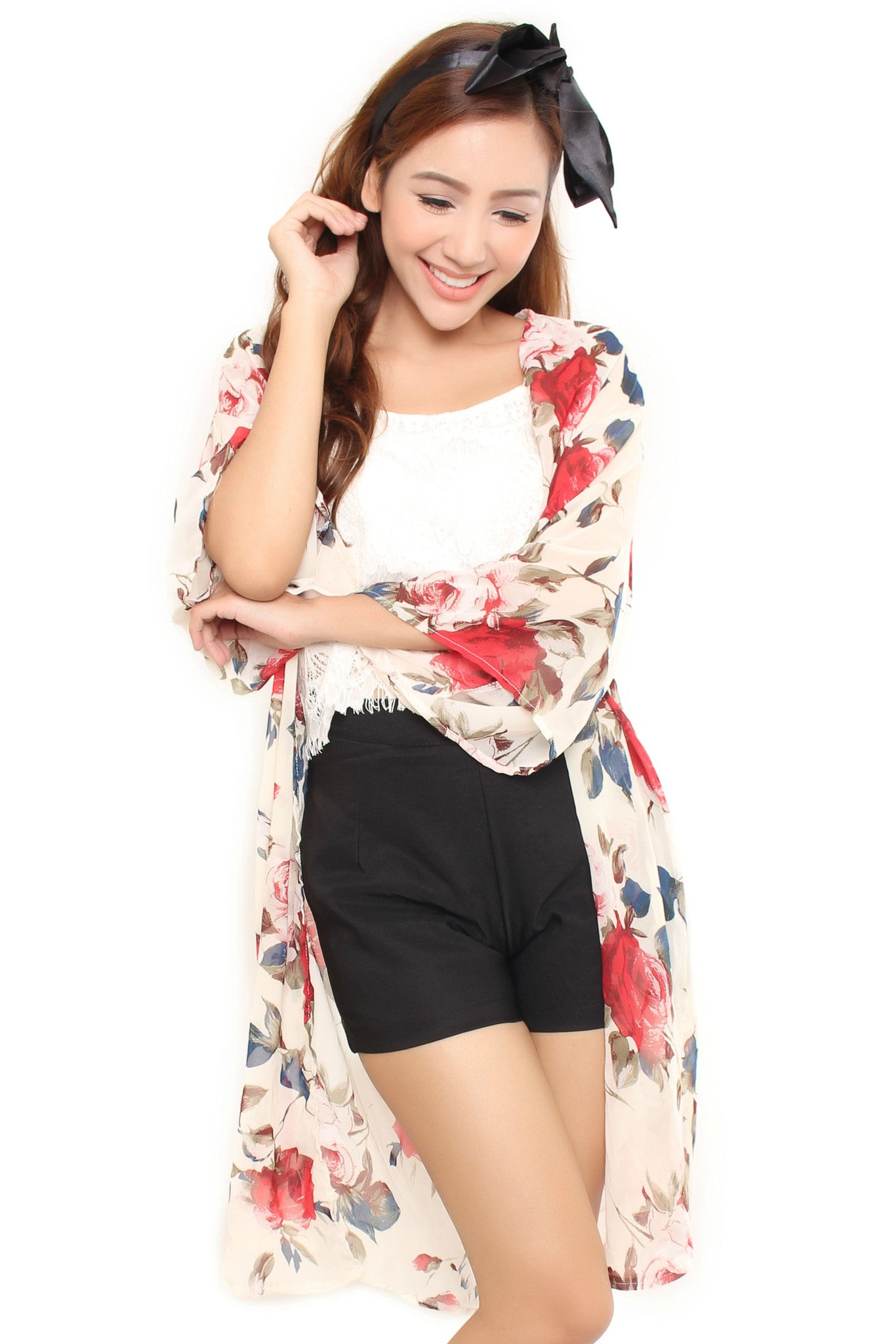 FLORAL SHRUG IN CREAM