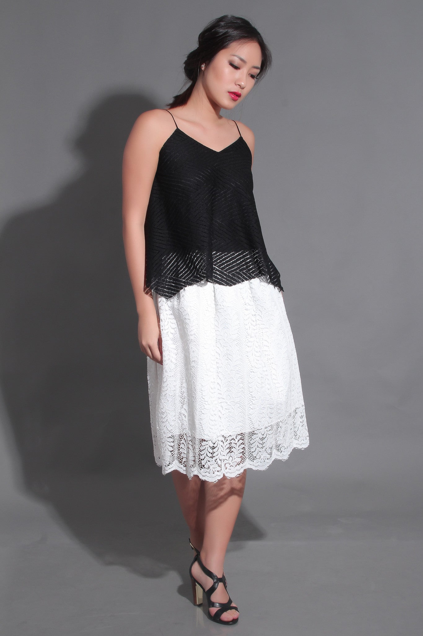 ELLA LACE SKIRT IN WHITE