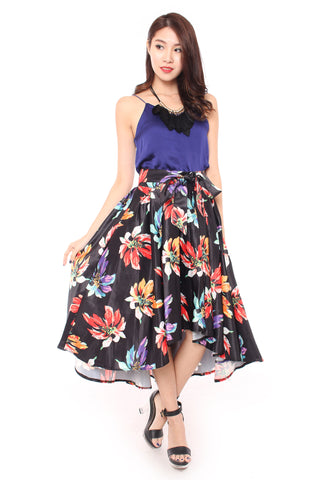 Floral Fantasy skirt in Black