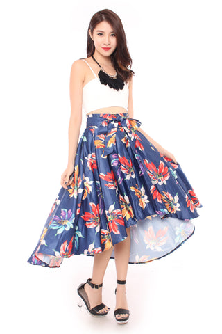 Floral Fantasy skirt in Navy